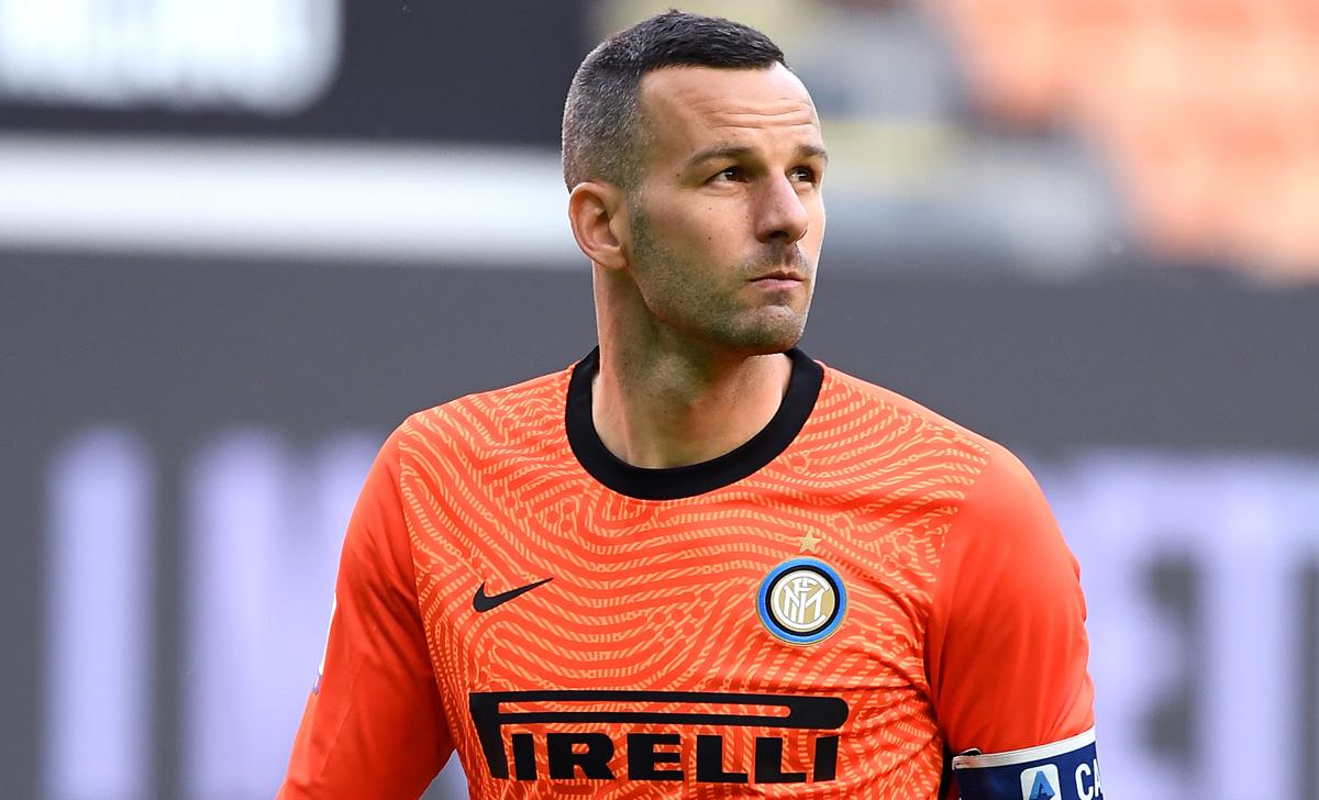 Inter, quale futuro per Handanovic? La dirigenza si interroga ...